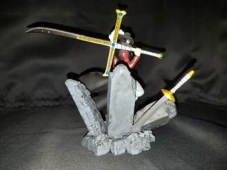 Figurine Dracule Mihawk one piece 5