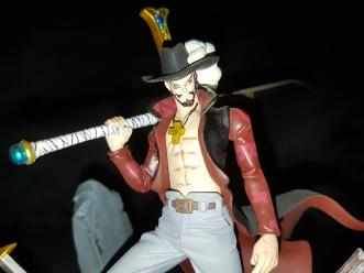 Figurine Dracule Mihawk one piece 6
