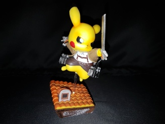 Figurine pikachu attack on titans 2