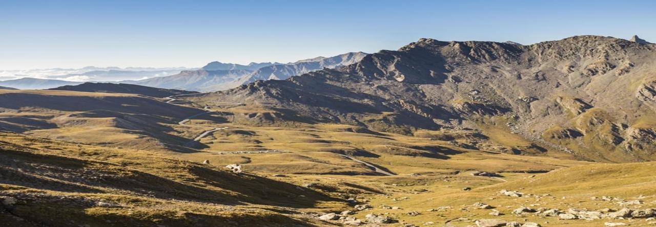 Les Alpes Vues Du Ciel - Entre Montagnes Et Mer, Du Queyras Au Mercantour